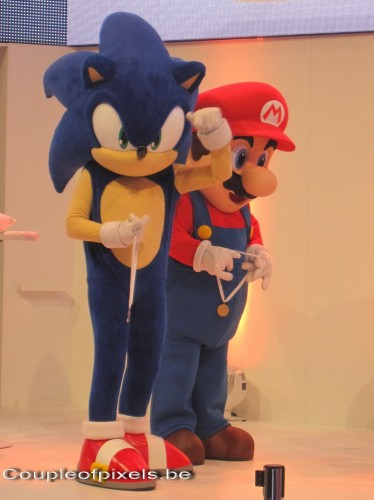 gamescom 2011,photos,insolite,cosplay, mario, sonic